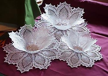 Накрохмаленные вязанные салфетки