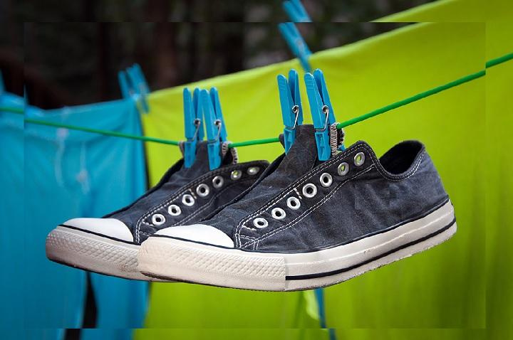 Как быстро высушить кроссовки после стирки в домашних условиях