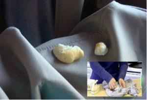 Куски монтажной пены на ткани