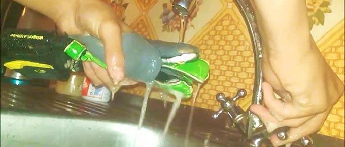 Промывка вратарских перчаток