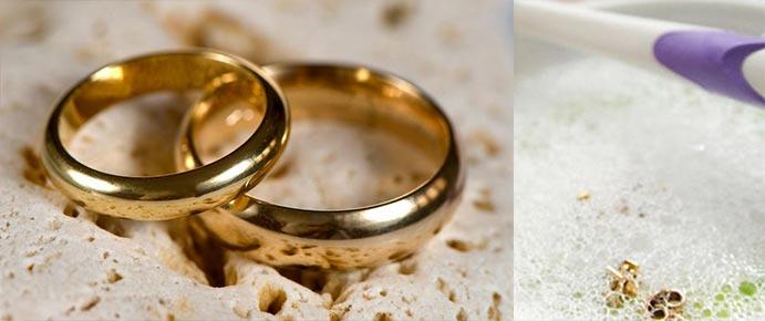 Обручальные кольца и мыльная вода
