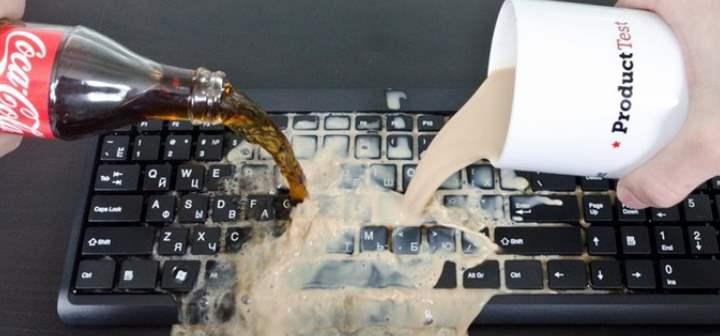 Клавиатура и кока кола