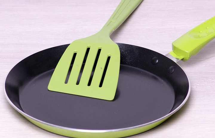 Зеленая сковорода