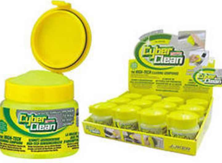 Влажная ткань также хорошо себя зарекомендовала в очищении от пыли