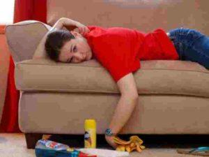 Как удалить запах мочи с мягкой мебели в домашних условиях