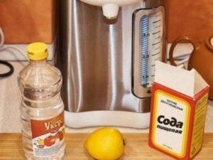 Для очищения от несильной накипи нужно сделать среднекислый раствор: в 1 литр воды добавить 100 мл уксуса.