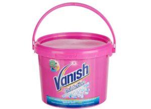 Добавить в воду для замачивания стружку мыла и ваниш. Оставить там вещи на час.