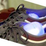 - о своих ногах тоже нужно позаботиться - следует их помыть в теплой воде, вытереть насухо и надеть шерстяные носки;