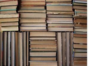 Как их правильно хранить книги и чего они боятся