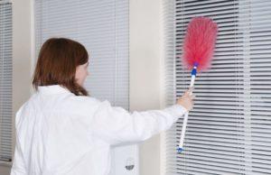 Как быстро и легко почистить жалюзи в домашних условиях