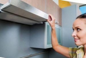 Как почистить очень грязную вытяжку на кухне за 5 минут