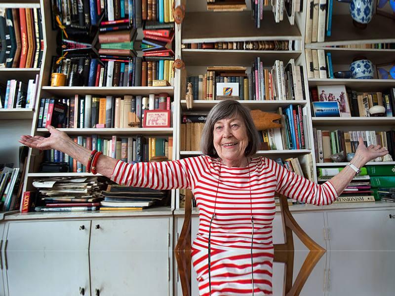 фото писательницы из Швеции Магнуссон