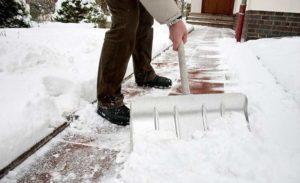 Как быстро и легко почистить снег с помощью мотоблока